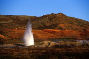 GJ-21-northen-lights-exploration - GJ-21-Geysir-Strokkur-hot-spring.jpg