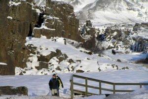 GJ-24-Land-of-northen-lights - GJ-24-Thingvellir-National-Park-Winter-9.jpg