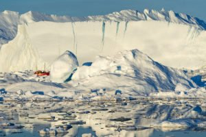 GJ-WGR-14AA-Greenland-winter-experience - GJ-WGR-14AA-Ilulissat-Winter-23-001.jpg - Image copyright by courtesy of Visit Greenland and their contracted photographers