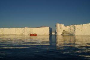 GJ-WGR-4-Amazing-days-Ilulissat-4-days - GJ-WGR-4-Midnight-sailing-at-the-Icefjord-34.jpg